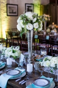 Dinner table flowers and decoration at Urban Chic wedding in Sacramento, CA