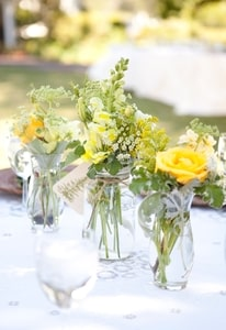 Table bouquets in vintage jars